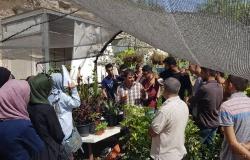 Palestine Polytechnic University (PPU) - تخصص الاحياء التطبيقية يسير زيارة علمية الى مشتل بريويش من خلال مساق الحديقة المنزلية