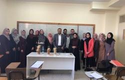 Palestine Polytechnic University (PPU) - استضافة مدير مصنع القصراوي لاعطاء محاضرة لطلبة كيمياء وتكنولوجيا الأغذية