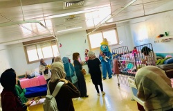 Palestine Polytechnic University (PPU) - طلبة تخصص التغذية الصحية والعلاجية ينظمون فعالية ترفيهية في قسم الاطفال في مستشفى الخليل الحكومي